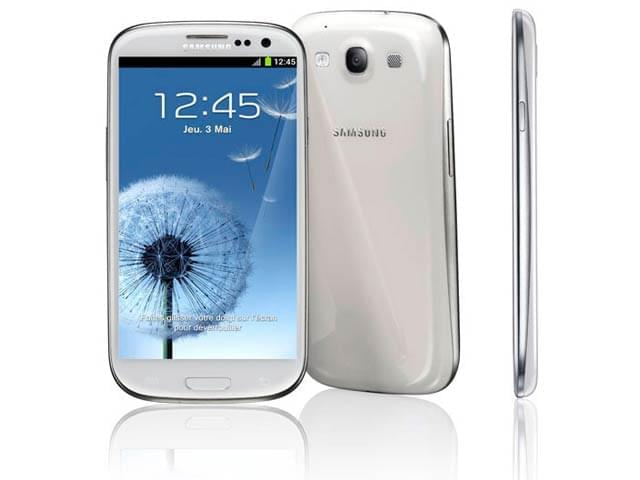 Samsung Galaxy S3 16Go Blanc GT-I9300 (GT-I9300RWDXEF) - Achat / Vente Téléphonie sur Cybertek.fr - 0